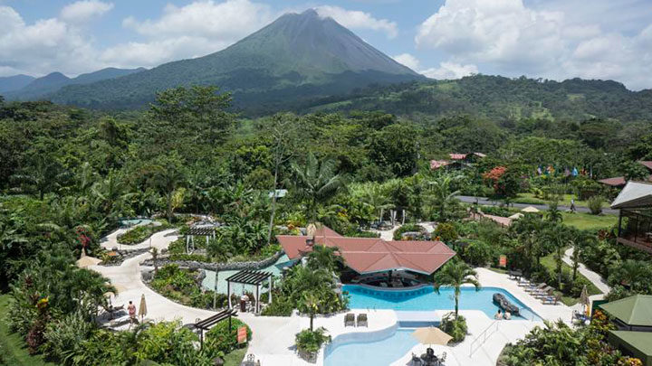 Hoteles-Montana-Arenal_Springs-1-720x405